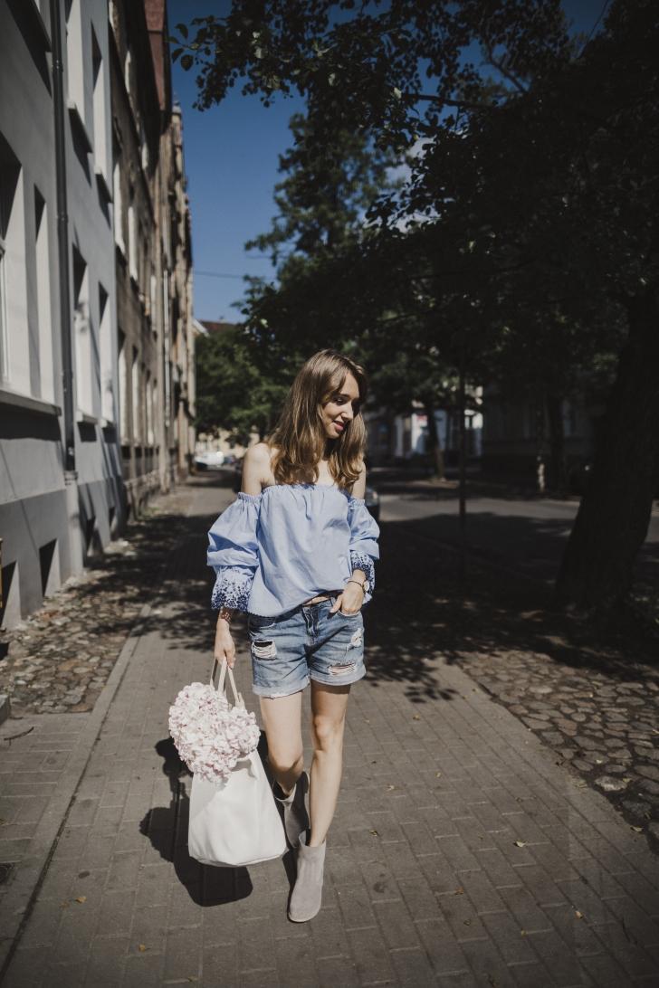 12.07.2017. Bydgoszcz . Beata Bujanowska , blogerka modowa '' My way of '' . Fot. Arkadiusz Wojtasiewicz